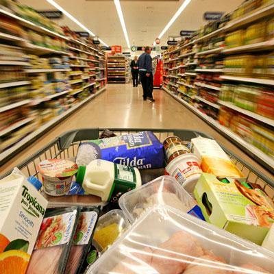 超市忘付账后的麻烦事