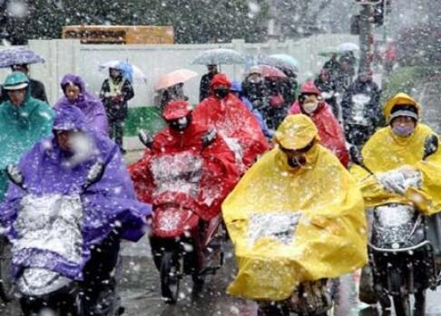 新冠肺炎病毒会经雨雪、眼结膜传播?专家:风险很低